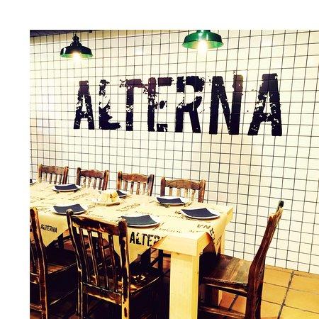Amplio comedor: fotografía de ALTERNA Sidrería Oviedo, Oviedo ...