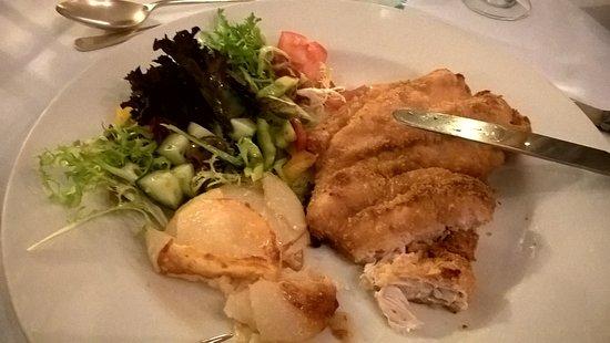 Lochearnhead, UK: Chicken Schnitzel with salad and Dijonnaise potatoes