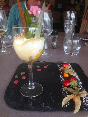 Morel's : Pineapple dessert