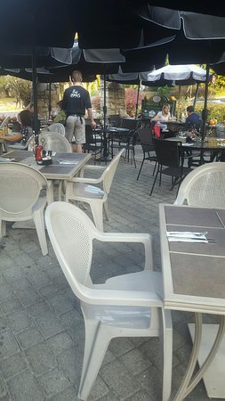 Long Valley, NJ: patio dinning