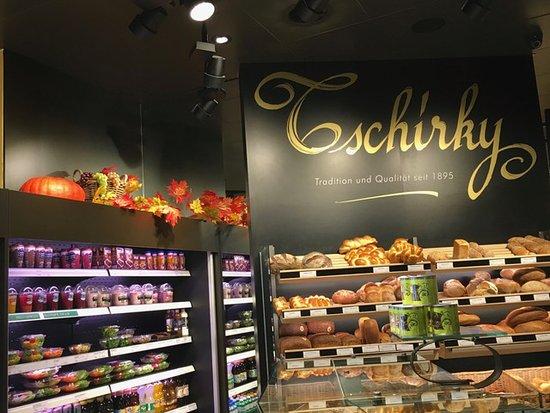 Schmerikon, Schweiz: Tschirky Seedamm