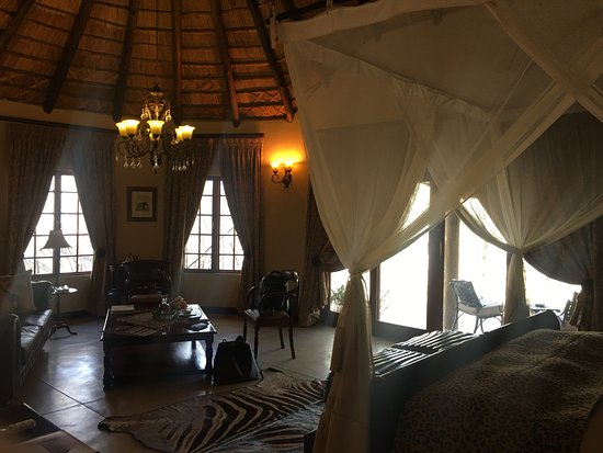 Timbavati Private Nature Reserve, Sudáfrica: Colonial style suite - very romantic