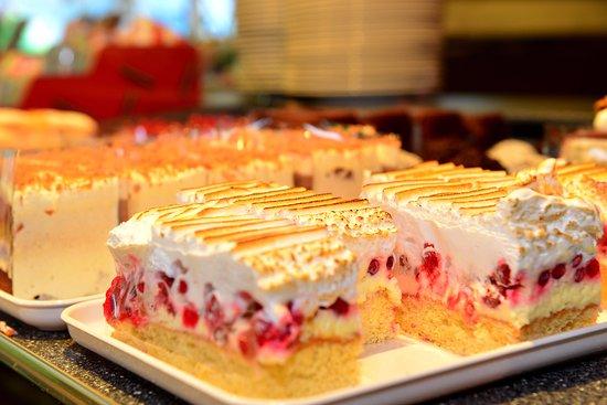 Beste Kuchen Torten Bild Von Holzer Weissensee Tripadvisor