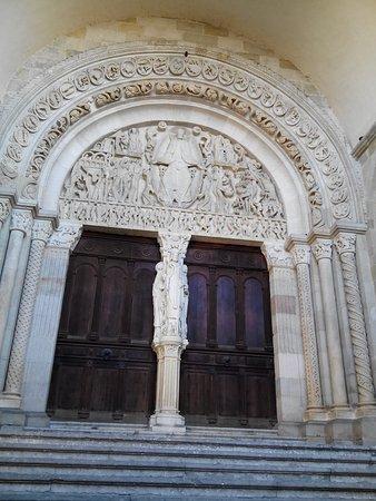 Cathédrale Saint-Lazare : le tympan