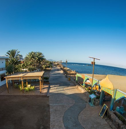 Hotel and restaurant is situated at the Dahab promenade (223798827)