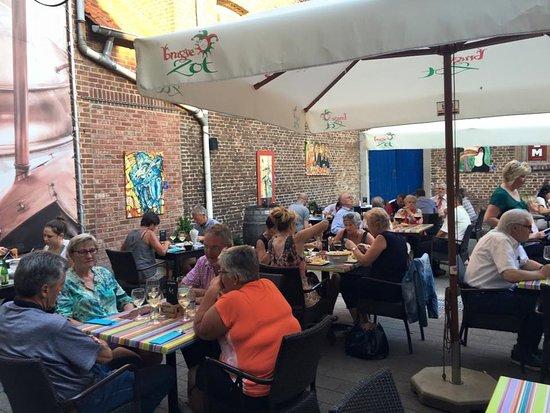 Lanaken, Belgio: Heerlijk genieten van een fijn zomerterras ? Welkom in de Brouwerij !