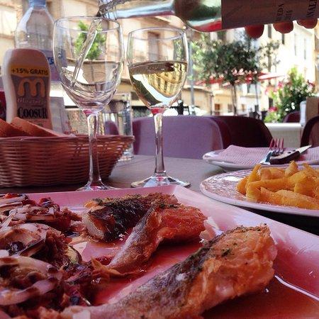 Archidona, Spanien: Great seafood/ pizza!