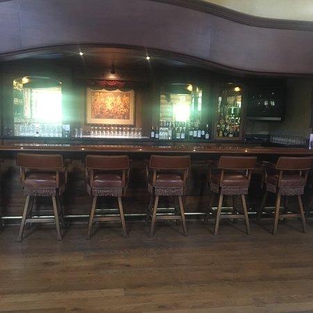 โกลตา, แคลิฟอร์เนีย: Beautiful bar inside lodge