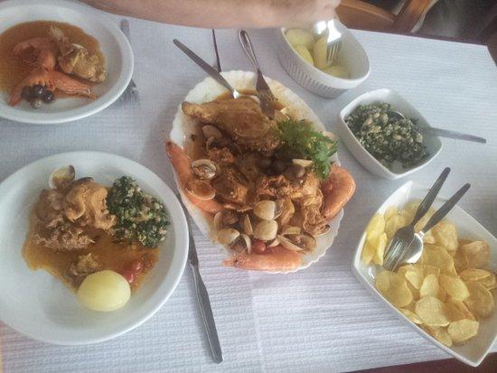 Lousa, Portugal: Galinha á Pescador