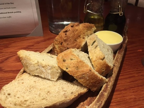 Cranage, UK: Bread before main meal