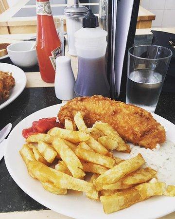 Bardsley's: Fish and chips!