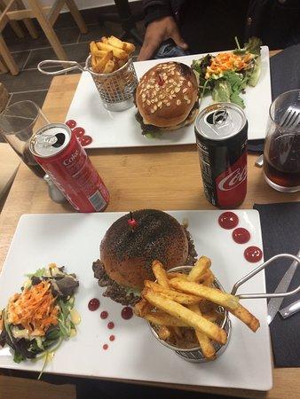 XV Burger