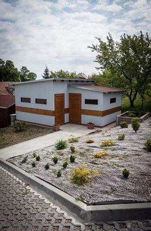 Mikulov, Tsjekkia: Pro vaše kola je tu vybudovaná kolárna.