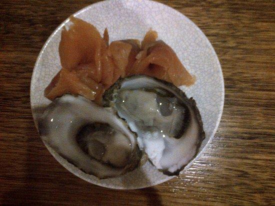 Robe, Australia: il mio dessert...ostriche oceaniche e smoked salmon con pane e burro