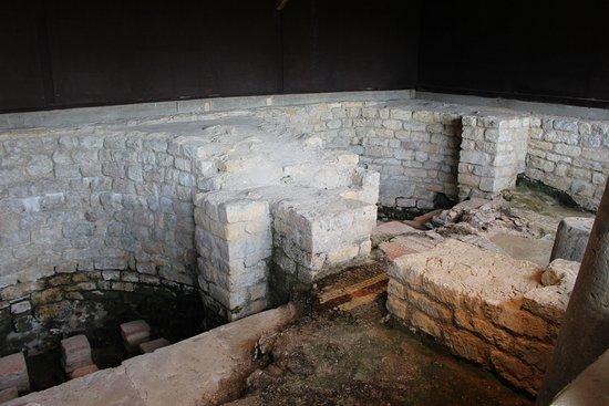 Yanworth, UK: Roman baths