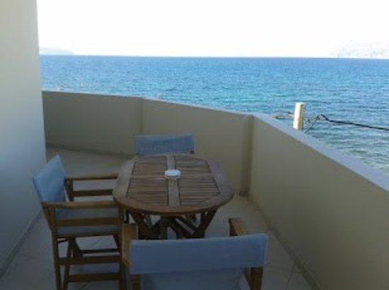 Christina Beach Hotel ภาพถ่าย