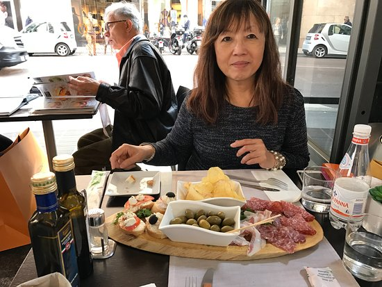 The verve cliquot was very reasonably priced by hong kong for Best lunch in milan