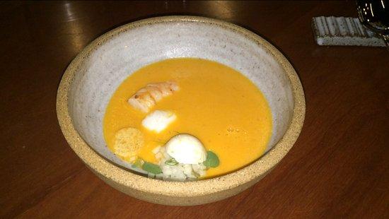 Штат Сан-Паулу: Sopa de milho com camarão branco selvagem e couve-rábano.