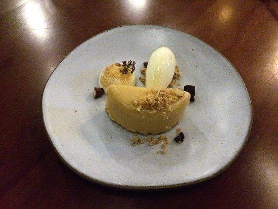 delstaten Sao Paulo: Torta de limão-cravo, castanha-de-pequi e sorvete de mel de jataí.