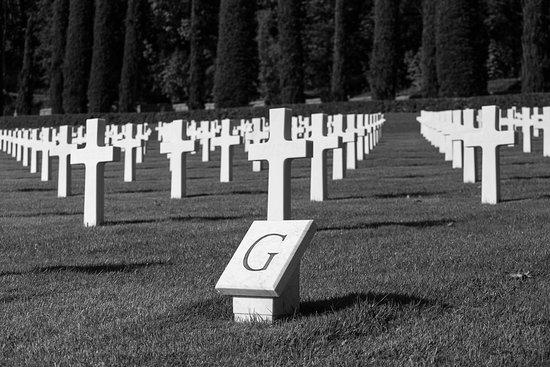 Tavarnuzze, Itália: Le croci in ordine alfabetico
