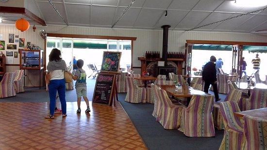 Yungaburra, Australia: Inside the Teahouse