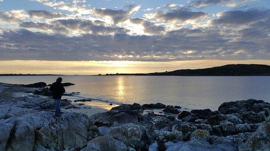 Maam Cross, Ирландия: Sunset in Clifden
