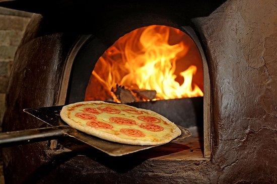 Sonesta Hotel Cusco: Pizza  a la Leña