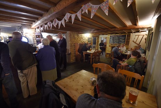 Shipston on Stour, UK: The front bar