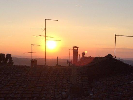 Serre di Rapolano, Italia: View from the dining room