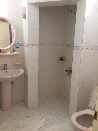 badkamer bij de annex - Picture of Malhun Hotel, Fethiye - TripAdvisor