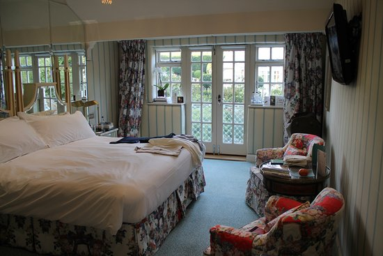 Evershot, UK : Our en-suite suite