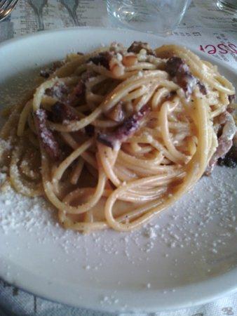 Carsoli, Italien: enorme piatto..non rende l'idea