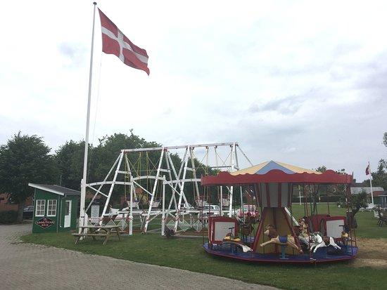 Stege, الدنمارك: Fødselsdagsfest og indvielse af tivoli.
