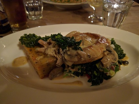 Alstonefield, UK: Mushroom and veg pie