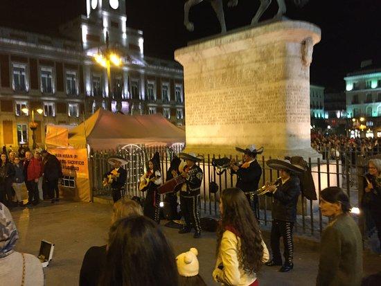 Puerta del sol madrid omd men om restauranger tripadvisor for Ibis paseo del prado