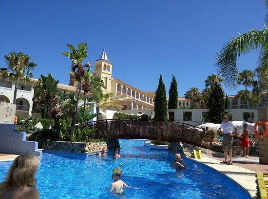 Piscina de fuerte conil picture of hotel fuerte conil for Piscina conil