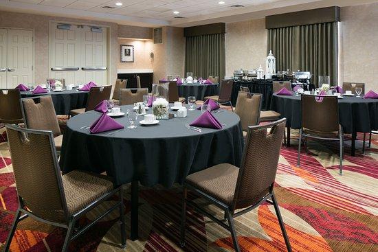 Hilton Garden Inn Omaha West: Banquet Setup