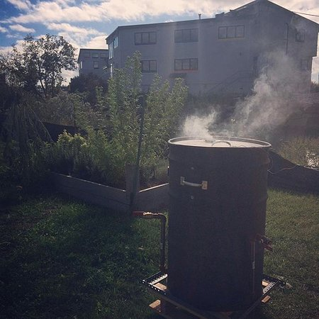 Guilford, CT: Smoker out back