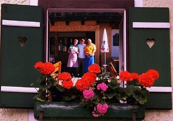 "Villandro, Italien: ""Griaßt enk auf der Rinderplatzhütte   Familie Huber"