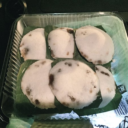 Putu Piring Melaka: my life in melaka..so dependent on this sugary sweets. Super looooove...