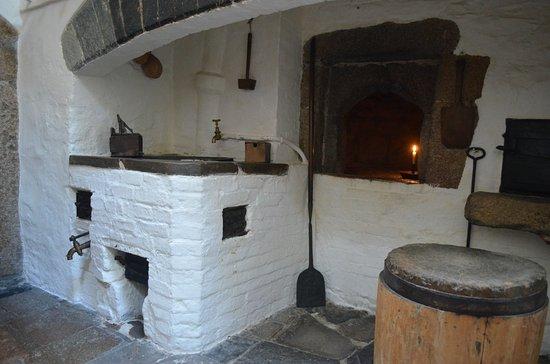 Saltash, UK: Hot water on tap