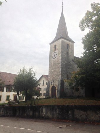 Eglise de Fiez, pour illustrer le village