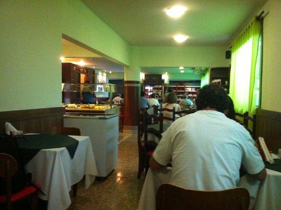 San Ro: Interior do restaurante