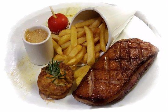 Limoux, ฝรั่งเศส: Magret de canard, sauce au roquefort