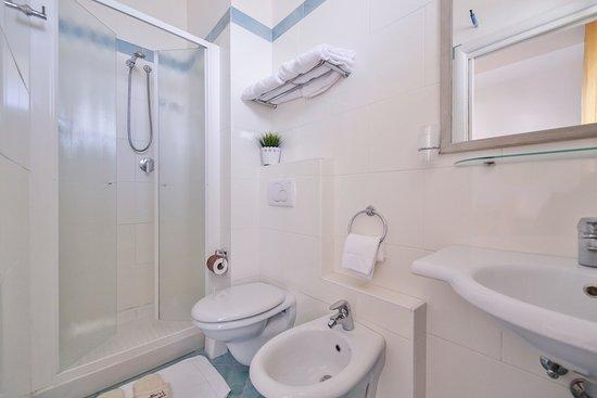Ambasciatori Hotel : Superior Bathroom