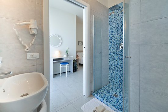 Ambasciatori Hotel : Le nostre camere Standard - Il bagno