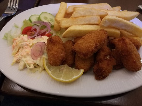 St. Margaret's Hope, UK: Sampi and chips