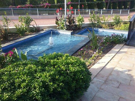 Venosa Beach Resort & Spa: Front of the hotel