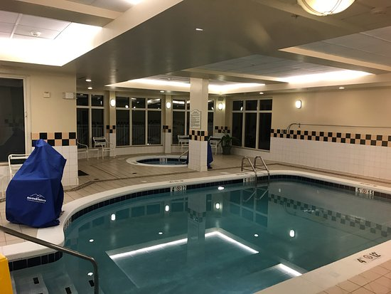 Daphne, AL: indoor pool