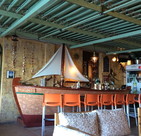 Poros, Greece: One of the bars